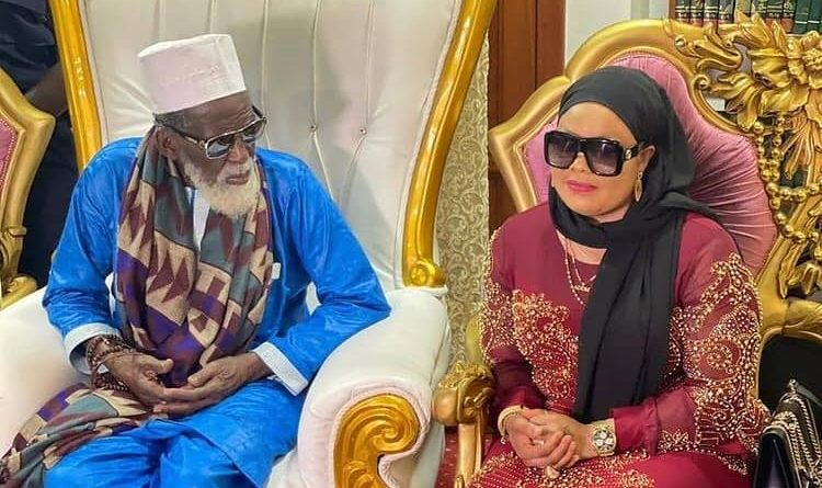 'Vangerist' Nana Agradaa Prays With Chief Imam–Photos
